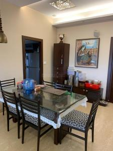 Gallery Cover Image of 1400 Sq.ft 2 BHK Apartment for rent in Ballygunge for 55000