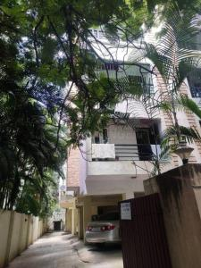 Gallery Cover Image of 1436 Sq.ft 3 BHK Apartment for buy in Royapettah for 19000000