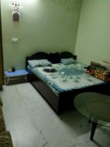 Gallery Cover Image of 1500 Sq.ft 2 BHK Independent Floor for rent in Sector 43 for 28000