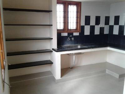 Gallery Cover Image of 1100 Sq.ft 2 BHK Independent Floor for rent in Sembakkam for 9000