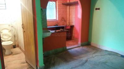 Gallery Cover Image of 800 Sq.ft 2 BHK Independent Floor for rent in Dum Dum for 8000