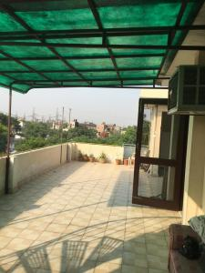 Gallery Cover Image of 500 Sq.ft 1 BHK Independent House for rent in Noida Extension for 14000