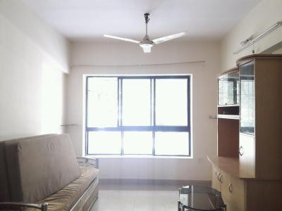 Gallery Cover Image of 765 Sq.ft 2 BHK Apartment for rent in Kandivali East for 25000