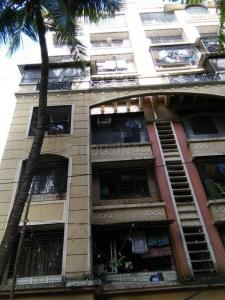 Gallery Cover Image of 1250 Sq.ft 2 BHK Apartment for rent in Goregaon East for 47000