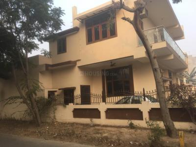 Gallery Cover Image of 850 Sq.ft 2 BHK Independent House for rent in Sector 31 for 11000