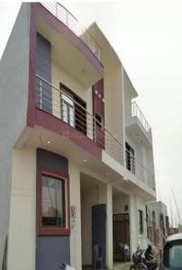 Gallery Cover Image of 1615 Sq.ft 3 BHK Independent House for buy in Noida Extension for 4599000