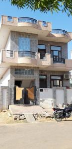 Gallery Cover Image of 2300 Sq.ft 4 BHK Independent House for buy in Maniyawas for 9000000