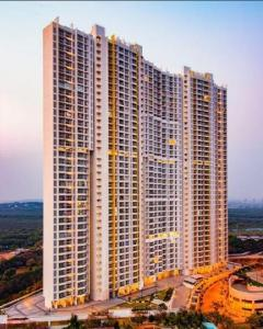 Gallery Cover Image of 1250 Sq.ft 2 BHK Apartment for buy in Raheja Exotica Sorento, Madh for 17000000