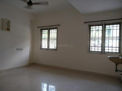 Gallery Cover Image of 800 Sq.ft 2 BHK Apartment for rent in Nungambakkam for 25000