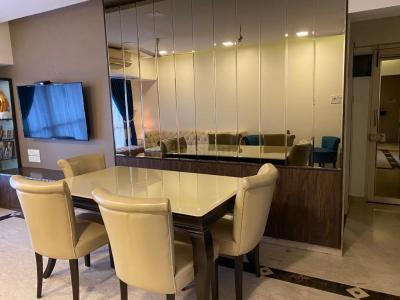 Gallery Cover Image of 1350 Sq.ft 3 BHK Apartment for rent in  Aroma Residency, Khar West for 150000