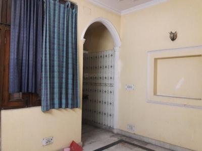 Gallery Cover Image of 450 Sq.ft 1 BHK Independent Floor for rent in Garhi for 15000