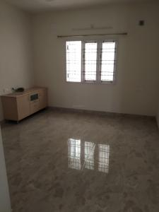 Gallery Cover Image of 1250 Sq.ft 3 BHK Apartment for buy in Karthik Apartments, Porur for 8500000
