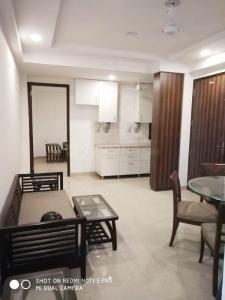 Gallery Cover Image of 500 Sq.ft 1 RK Independent Floor for rent in Chhattarpur for 7200