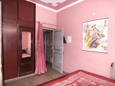 Bedroom Image of PG 4035905 Pul Prahlad Pur in Pul Prahlad Pur