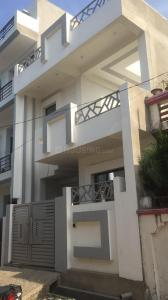 Gallery Cover Image of 1500 Sq.ft 3 BHK Independent House for buy in Chinhat Tiraha for 5200000