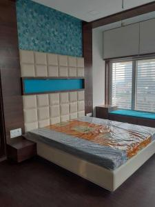 Gallery Cover Image of 1200 Sq.ft 2 BHK Apartment for rent in Ellisbridge for 60002