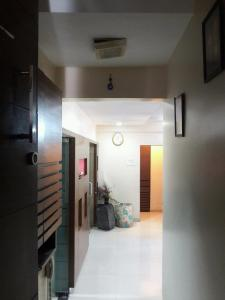 Gallery Cover Image of 1500 Sq.ft 2.5 BHK Apartment for rent in Zaveri Azad Nagar Ashta Vinayak CHSL, Andheri West for 60000