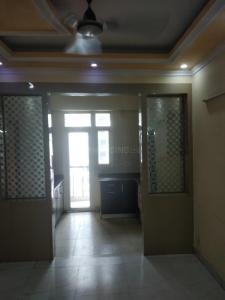 Gallery Cover Image of 1100 Sq.ft 2 BHK Apartment for rent in Express Zenith, Sector 77 for 14000