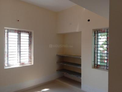 Gallery Cover Image of 850 Sq.ft 2 BHK Apartment for buy in Pallavaram for 3825000
