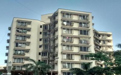 Gallery Cover Image of 600 Sq.ft 1 BHK Apartment for rent in Kandivali East for 25000