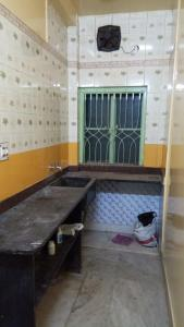 Gallery Cover Image of 300 Sq.ft 1 RK Villa for rent in Bhawani Complex, Keshtopur for 4000