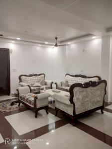 Gallery Cover Image of 1000 Sq.ft 3 BHK Independent House for buy in Burari for 7500000