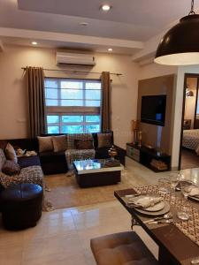 Gallery Cover Image of 1371 Sq.ft 2 BHK Apartment for buy in ASF Isle de Royale, Sector 34 for 8300000
