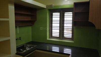 Gallery Cover Image of 900 Sq.ft 2 BHK Independent Floor for rent in Choolaimedu for 20000