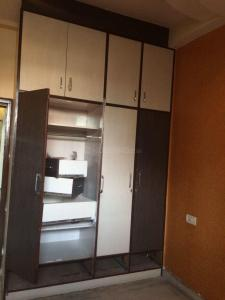 Gallery Cover Image of 1300 Sq.ft 3 BHK Apartment for rent in Niti Khand for 17000