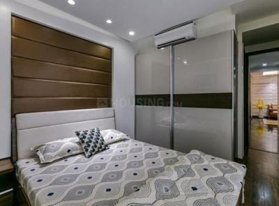 Gallery Cover Image of 719 Sq.ft 1 BHK Apartment for buy in Malad East for 8100000