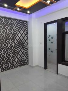 Gallery Cover Image of 550 Sq.ft 2 BHK Independent House for buy in Dwarka Mor for 2500000