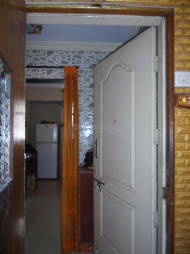 Main Entrance Image of 840 Sq.ft 2 BHK Apartment for buy in Thane West for 9000000