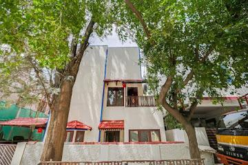 Gallery Cover Image of 2600 Sq.ft 3 BHK Independent House for rent in Indira Nagar for 45000