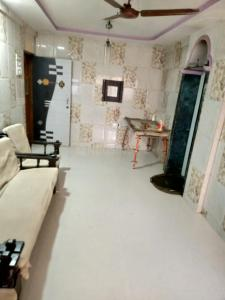 Gallery Cover Image of 1050 Sq.ft 2 BHK Apartment for rent in Vasai West for 15000