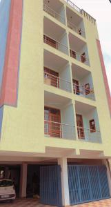 Gallery Cover Image of 650 Sq.ft 2 BHK Independent Floor for buy in Sector 105 for 2400000