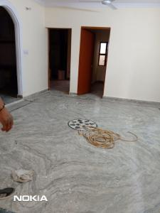 Gallery Cover Image of 950 Sq.ft 3 BHK Independent Floor for rent in Chhattarpur for 10000