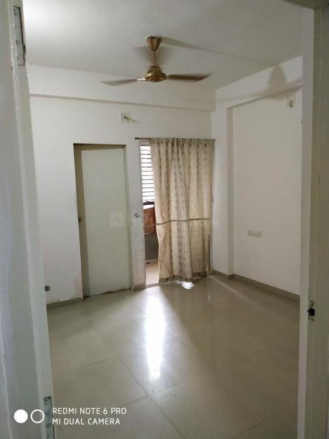 Bedroom Image of 900 Sq.ft 2 BHK Apartment for rent in Thaltej for 16000