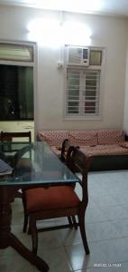 Gallery Cover Image of 900 Sq.ft 1 BHK Apartment for rent in Dadar West for 55000
