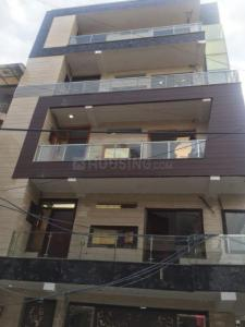 Gallery Cover Image of 900 Sq.ft 3 BHK Independent Floor for buy in Sector 4 Rohini for 3500000