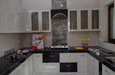 Kitchen Image of Pawan Khanna House in Sector 23
