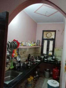 Gallery Cover Image of 450 Sq.ft 1 BHK Independent Floor for rent in Trilokpuri for 9000