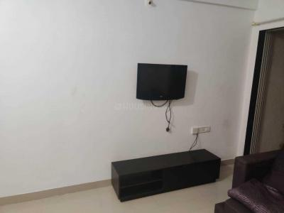 Gallery Cover Image of 950 Sq.ft 2 BHK Apartment for rent in Dynamix Parkwoods, Thane West for 20000