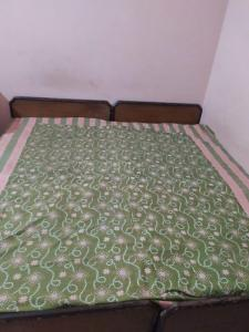 Gallery Cover Image of 160 Sq.ft 1 RK Independent House for rent in Sector 15 for 5000