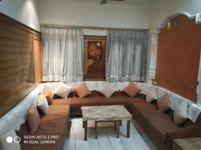 Gallery Cover Image of 1300 Sq.ft 2 BHK Apartment for rent in Nava Naroda for 20000