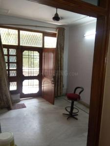 Gallery Cover Image of 1350 Sq.ft 3 BHK Apartment for rent in Kirti Nagar for 27000