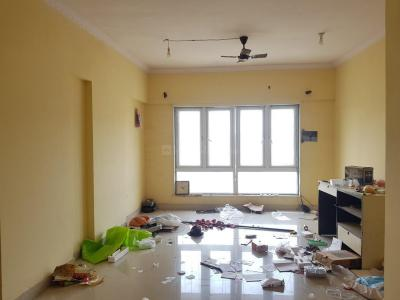 Gallery Cover Image of 610 Sq.ft 1 BHK Apartment for rent in Crystal Isle 2, Goregaon East for 19000