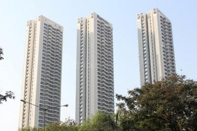 Gallery Cover Image of 1350 Sq.ft 3 BHK Apartment for rent in Rustomjee Elanza, Malad West for 65000