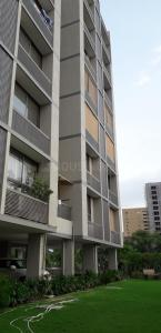 Gallery Cover Image of 2700 Sq.ft 4 BHK Apartment for rent in Bodakdev for 70000