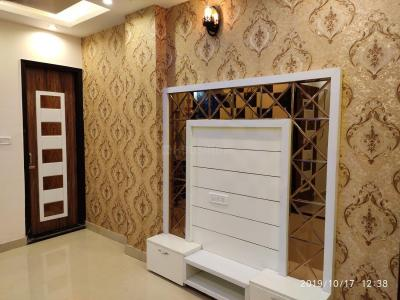 Gallery Cover Image of 585 Sq.ft 2 BHK Independent Floor for buy in Dwarka Mor for 3200000