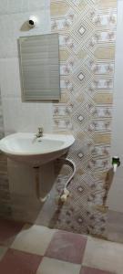 Bathroom Image of Single Furnished Room in Kolathur